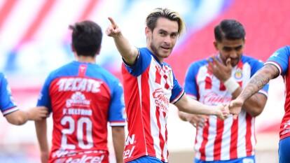 Las Chivas avanzan a la siguiente fase de la Copa GNP por México   Derrotaron a Mazatlán FC 3-1 con goles de Angulo y Macías; Aristeguieta hizo el primer gol en la historia de los mazatlecas.