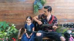 "Aitana y Vadhir Derbez cantan juntos ""Dance Monkey"""