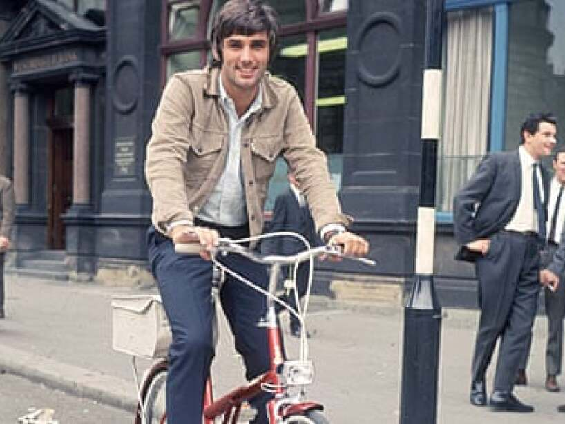 5 george best bicicleta.jpg