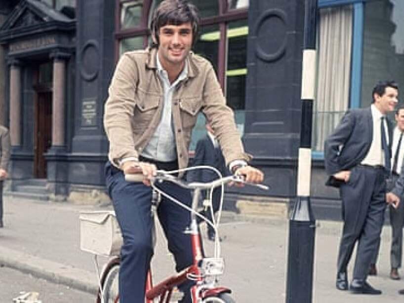 5 george best bicicleta.jpg