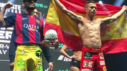 La ceremonia con la 'romana' legitimó el programa de peleadores que se enfrenta este sábado en la noche.