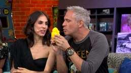 Sandra Echeverría muestra la forma en la que besan 'Paola' y 'Paulina' en 'La Usurpadora'