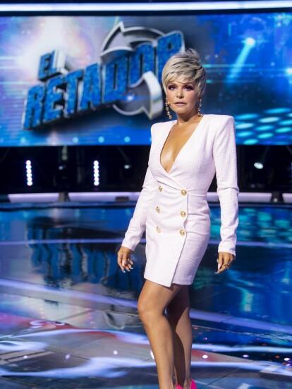 Para el capítulo 5, Itatí Cantoral dejó con la boca abierta al aparecer con el pelo aún más corto y a través de sus redes sociales compartió que se trató de un gran trabajo del equipo de maquillaje y peinado de Televisa.