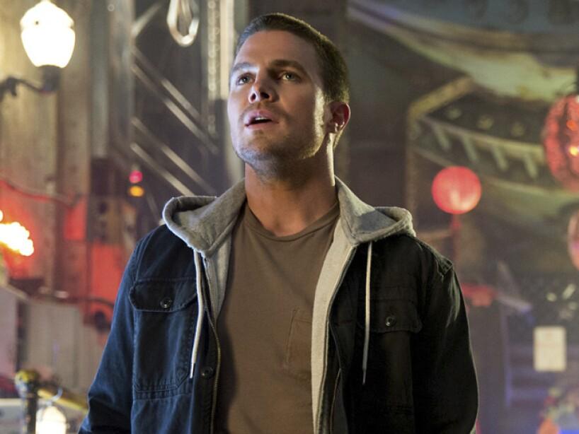 1. Stephen Amell: El protagonista de Arrow interpretará a Casey Jones, un justiciero en Tortugas Ninja 2.