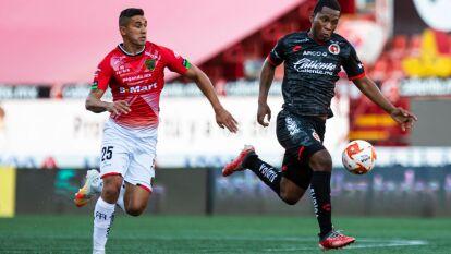 Brayan Angulo y Gerson Vázquez son los encargados de conseguir tres puntos más y vencen en casa 2-1 a los Bravos de Ciudad Juárez.