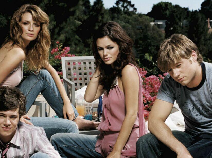 6. The O.C: Cuatro temporadas (2003 a 2007). Serie de jóvenes guapos y sanos ambientada en el condado Orange de California.