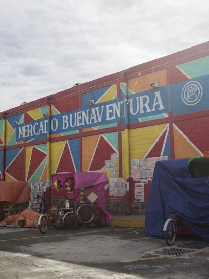 """El Mercado Buenaventura tiene muchas historias que contar. ¿Quieres saber cómo se creó este gran lugar? Aquí te presentamos algunas curiosidades que nos compartió Juliana Mesa, diseñadora de producción de """"Como tú no hay 2""""."""
