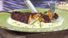 RECETA: Chile ancho relleno de camote con quesillo y salsa de elote