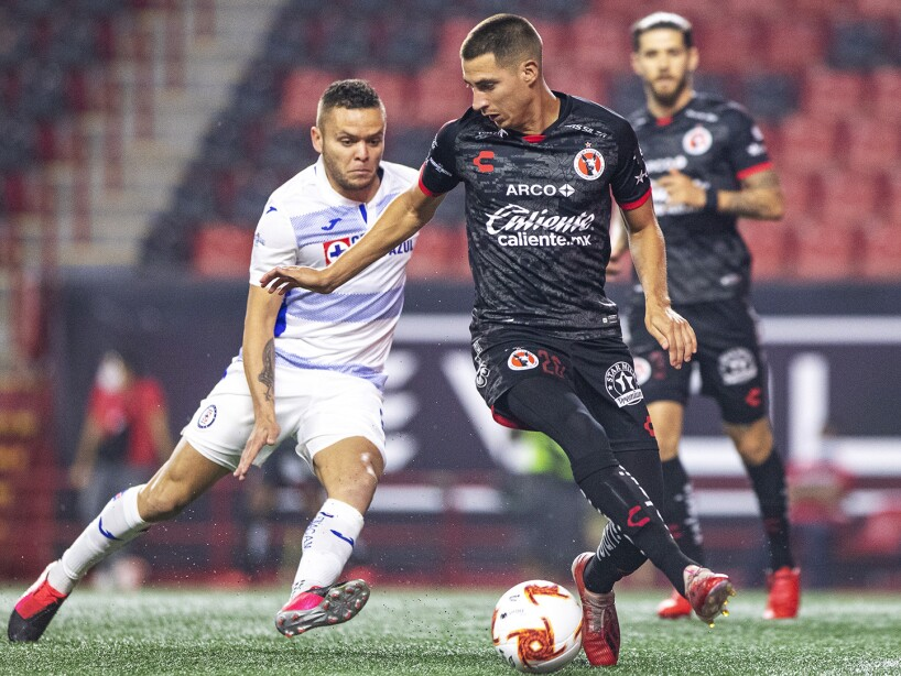 Xolos vs Cruz Azul3.jpg