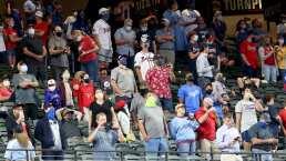 Los Braves ganan primer partido con público en Grandes Ligas