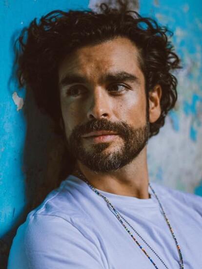 Gonzalo García Vivanco dará vida a 'José Carlos Larios' en la nueva versión de 'Cuna de lobos'. La serie forma parte del proyecto Fábrica de sueños, el cual reinventará algunas de las telenovelas más populares de Televisa.