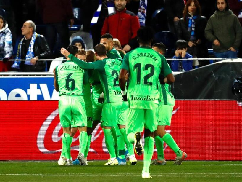 En el Mendizorroza, Alavés y Leganés empatan por la mínima diferencia. Martin Braith Waite (43') marcó para Leganés y Joselu (81') empató el marcador. Leganés es penúltimo general con 10 unidades tras 17 partidos disputados.