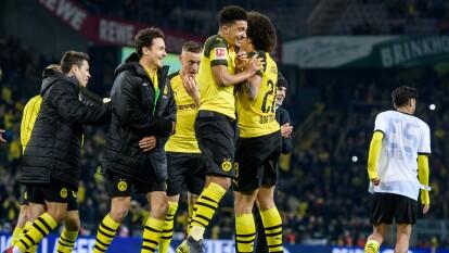 Jadon Sancho marcó su tercer gol de la temporada en el empate del Borussia Dortmund 2-2 con el Eintracht Frankfurt.