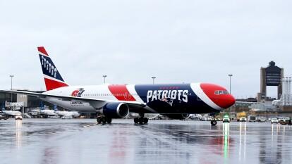 Hace un par de días, los Patriots, único equipo de la NFL con avión propio, apoyaron al gobierno de Estados Unidos, principalmente al estado de Boston con material de alta calidad proveniente de China.
