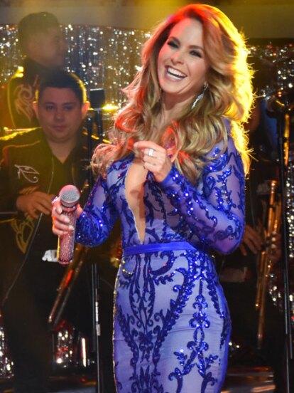 """La Novia de América grabó el DVD de su nueva producción """"Más enamorada con banda"""" donde interpreta temas inéditos."""
