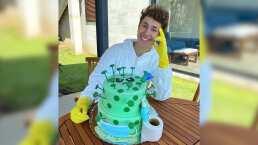 Juanpa Zurita celebra su cumpleaños número 24 con pastel de coronavirus