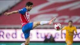 Paco Villa pidió a Oribe Peralta pensar en el retiro