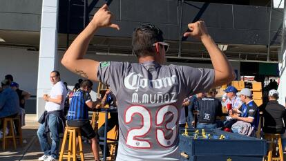 Una gran cantidad de aficionados azulcremas llegan a la Corregidora para el juego entre Querétaro y América.