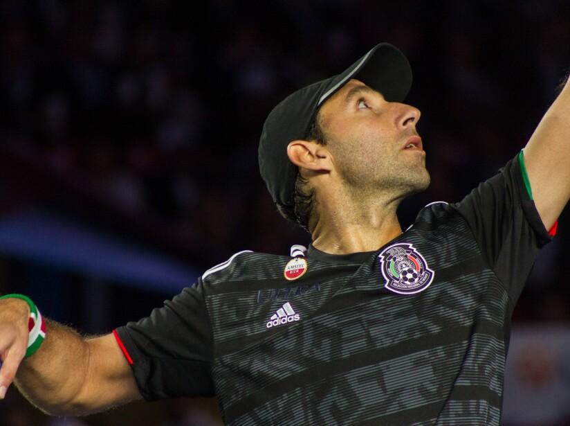 Federer_Zverev_Plaza_Mexico-5.jpg