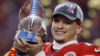 Patrick Mahomes, Kansas City Chiefs. Con 24 años y 138 días, se mete entre los 10 quarterbacks más jóvenes en disputar un Super Bowl.