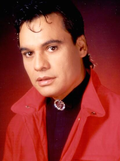 Juan Gabriel nació el 7 de enero de 1950 en Parácuaro, Michoacán, México.