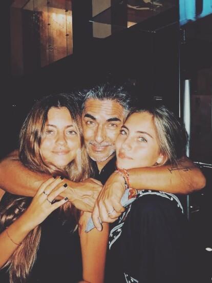 Camila y Roberta son las bellas y sensuales hijas de Raúl Araiza y su esposa Fernanda