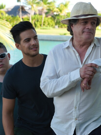 Mauricio Valle es el director de 'Como si fuera la primera vez', cinta protagonizada por Vadhir Derbez, Ximena Romo, Alejandro Camacho y Paco Rueda.