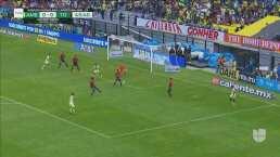 Aguilar avisa con un tiro que se queda muy cerca de abrir el marcador