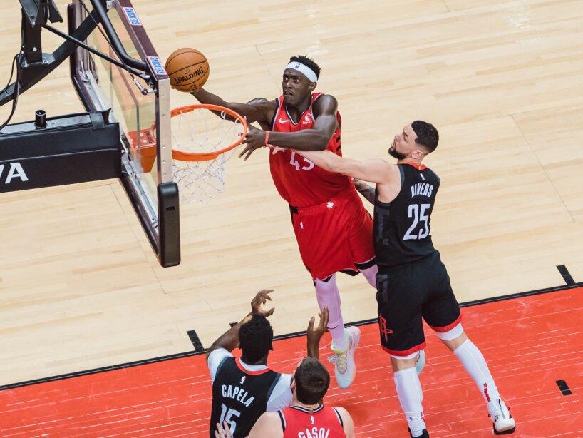 Raptors vs Rockets 2.jpg