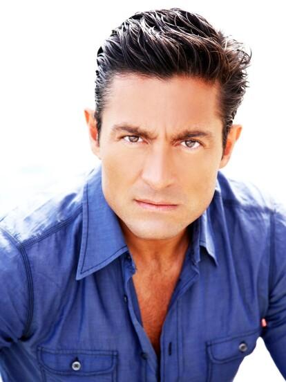 Desde la década de los 90, Fernando Colunga es considerado uno de los galanes de telenovelas más atractivos y talentosos de la televisión mexicana. Pese a que mantiene su vida privada alejada de la opinión pública, te mostramos cómo ha cambiado con el paso de los años.