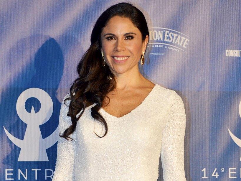 Paola Rojas Asiste A Boda Sin Zague Y Asi Responde Por Que Fue Sola Lo Ultimo Las Estrellas Tv