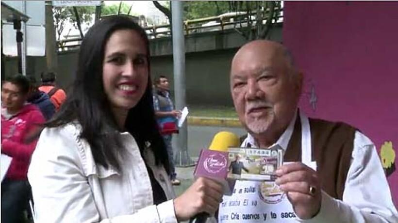 ¡Lanzan billete de lotería para festejar 70 años de carrera de Sergio Corona!