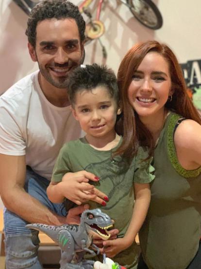 Ariadne Díaz celebró a lo grande el cumpleaños número 5 de su hijo Diego, a quien le organizó una fiesta vegana con temática de dinosaurios; el mismo día Zuria Vega festejó los dos años de su pequeño Luka, a quien disfrazó de un famoso personaje de Disney. Ve todos los detalles.