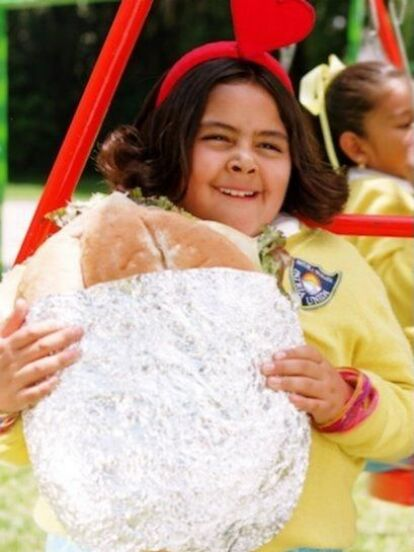 Ana Paulina Cáceres alcanzó la fama en 2002 cuando encarnó a la tierna y dulce 'Polita' en la telenovela infantil 'Vivan los niños'. Ahora, a 18 años del estreno del melodrama, ¡mira cómo luce la joven!