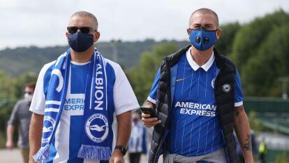 Así volvió el público a los estadios de Inglaterra   Chelsea y Brighton jugaron ante 1,500 aficionados en el duelo de pretemporada.