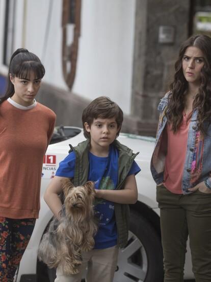 """En """"Vencer el Desamor"""", 'Tadeo' ve a lo lejos a su papá y le grita implorándole que no lo vuelva a dejar. 'Gemma' y 'Ariadna' corren a ver qué ocurre."""