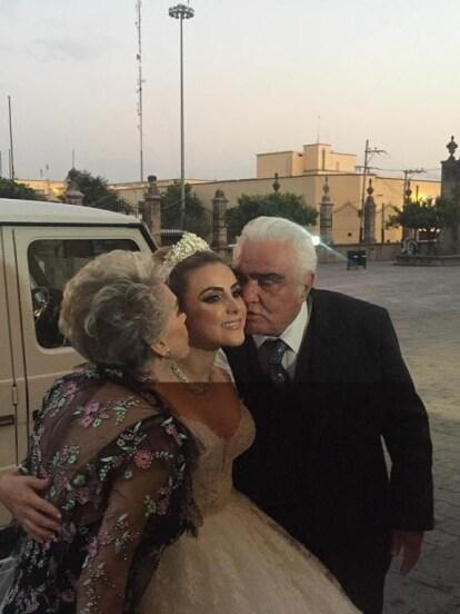 Sissi Fernández, nieta de Vicente Fernández, se casó el pasado fin de semana con Marcelo Garza Ayala. Entérate cómo fue la lujosa boda en la que el único ausente de la dinastía fue Alejandro Fernández.