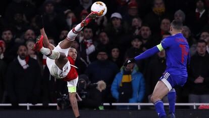 Arsenal 1-2 Olympiakos (2-2) | Avanzó Olympiakos