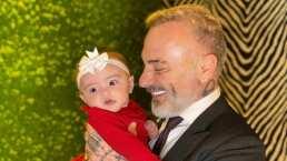 Gianluca Vacchi celebra su primer Día del Padre y aparece cargando dulcemente entre sus brazos a su bebé