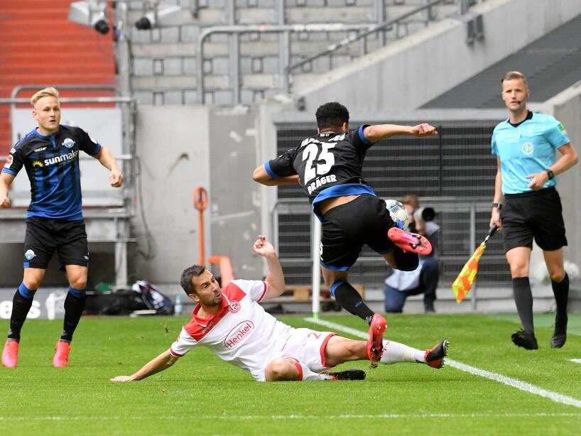 Fortuna Dusseldorf vs Paderborn Twitter 1.jpg