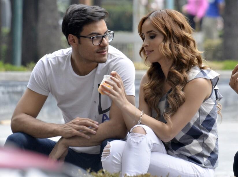 Novia de Carlos Rivera confiesa sus ganas de casarse con el cantante