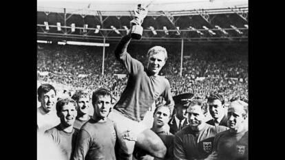 El domingo 20 de marzo de 1966, previo a la inauguración de la Copa del Mundo de Inglaterra, despareció el trofeo que Abel Lafleur diseñó inspirado en la Diosa griega, Victoria.