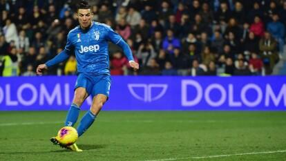 La victoria de la Juventus y todos los resultados del 22 de febrero del futbol italiano.   SPAL 1-2 Juventus   Con la victoria de Juventus, CR7 igualó la marca de Gabriel Batistuta y Quagliarella.