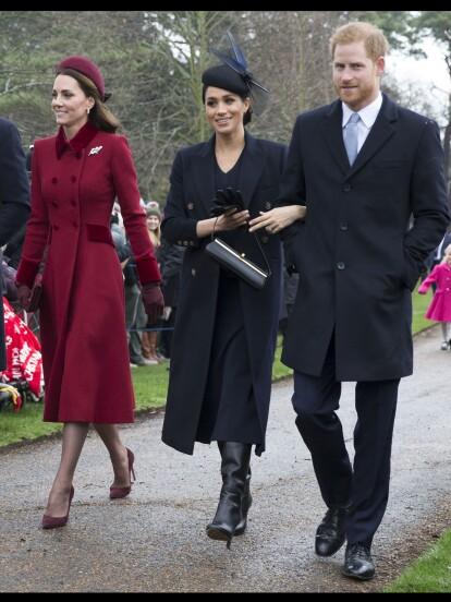 La Duquesa de Sussex y la Duquesa de Cambridge se encontraron en la tradicional misa de Navidad en Sandringham y aunque demostraron cordialidad, experta en lenguaje corporal asegura que su acercamiento fue fingido. ¡Checa la galería!