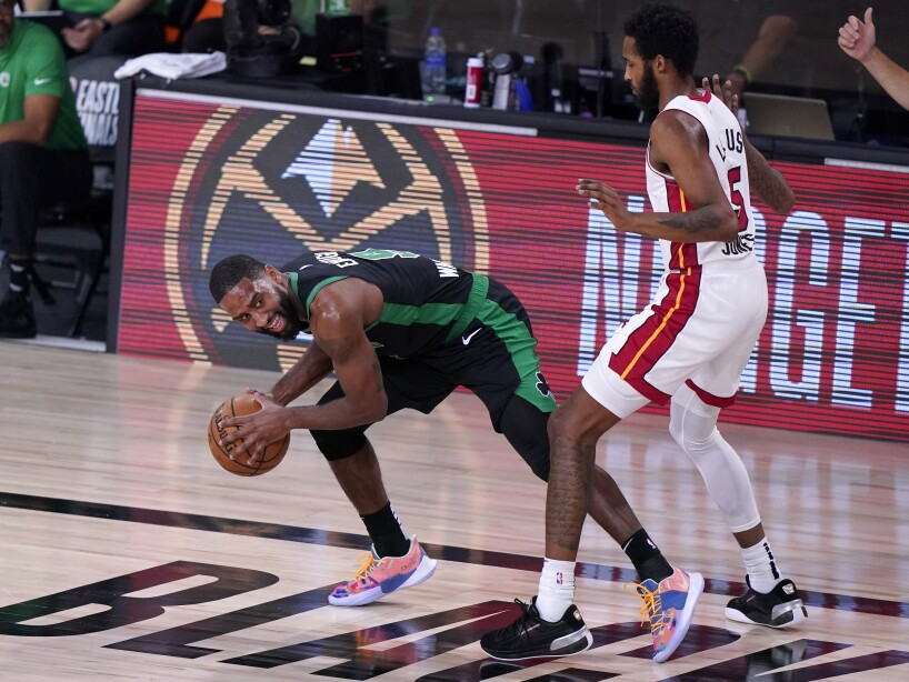 Brad Wanamaker, Derrick Jones Jr.