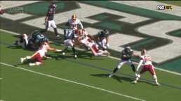 ¡Touchdown y conversión para los Eagles!