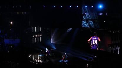 Los jugadores decidieron elegir diseños en su vestimenta con algo referente a Kobe Bryant ¡Qué momentos!