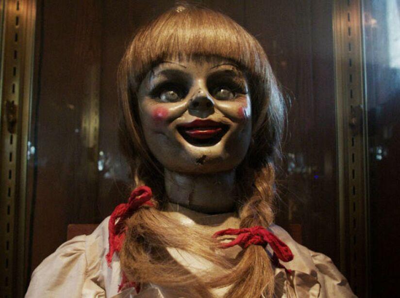La primera vez que vimos a esta muñequita fue en El Conjuro, ahora ya tiene su película propia en 2014.