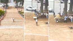 El panadero con el pan: Ciclista choca contra vendedor ambulante y le tira sus pancitos