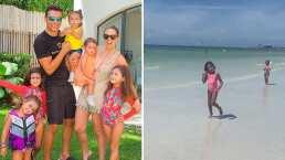 Caro y Renata, hijas de Jacky Bracamontes, aprovechan la playa al máximo para jugar con las gaviotas